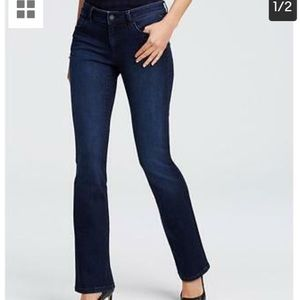Ann Taylor like new curvy fit bootcut jeans